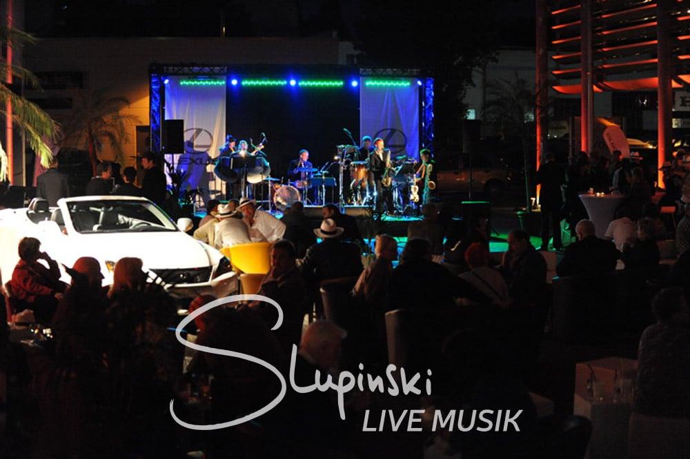 Galaband, Berlin, Live, Musik