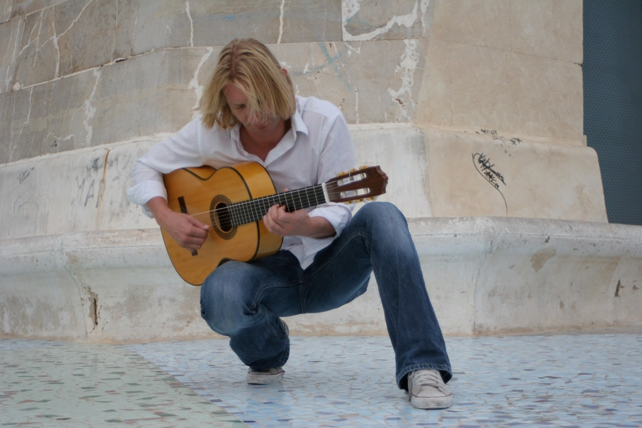 Gitarrist Berlin - Gitarrenspieler Berlin - Event Berlin - Lounge